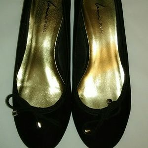 Lane Bryant black suede flat with gold heel 9w